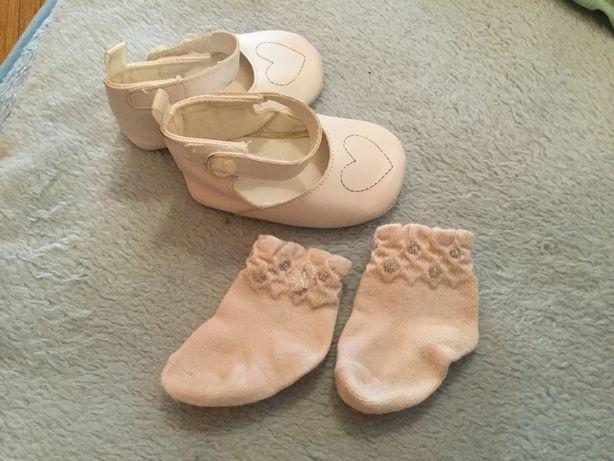Sapatos brancos + meia com brilho de bebe