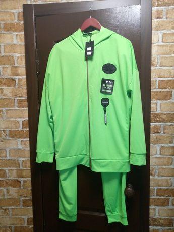 Продам спортивный костюм 52-54