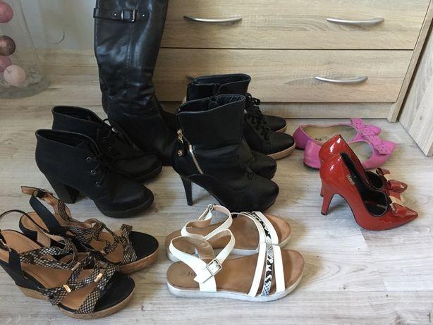 8 par butów w rozmiarze 38