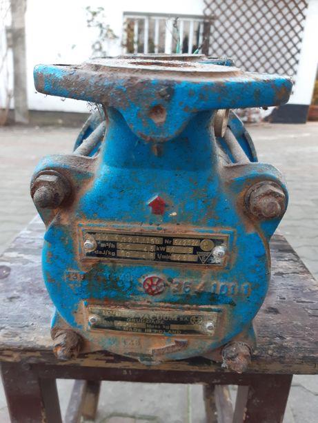Продам електродвигатель 3кв.для перекачки води.