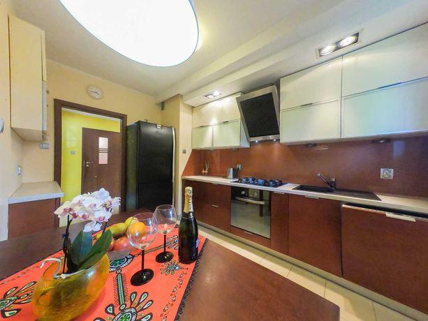 Coopera/3pok/oddzielna kuchnia/2 miejsca garażowe
