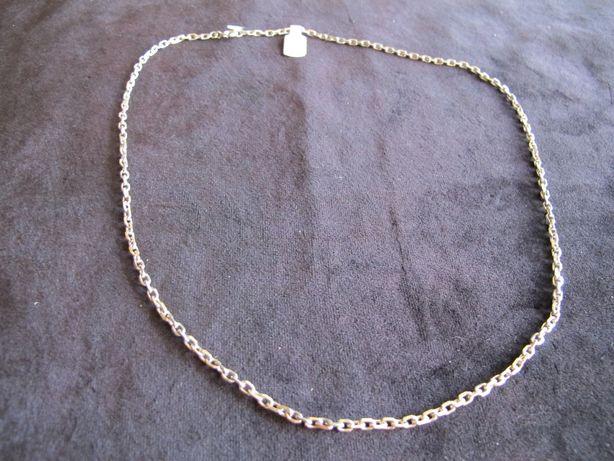 Fio em prata com malha cadeada e muito original - 62 cm.