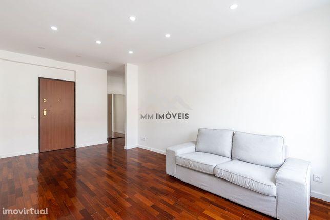 Apartamento T1 | Boavista | Renovado | Metro