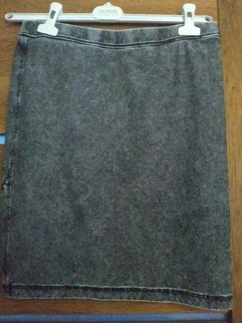 Szara spódnica dżinsowa z Włoch