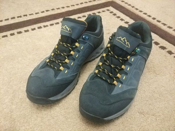 Нові кросівки Protection Trail Waterproof