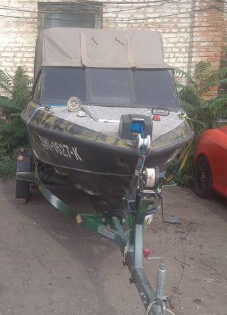 Продам лодку Крым-3 с четырехтактным мотором Ямаха 50