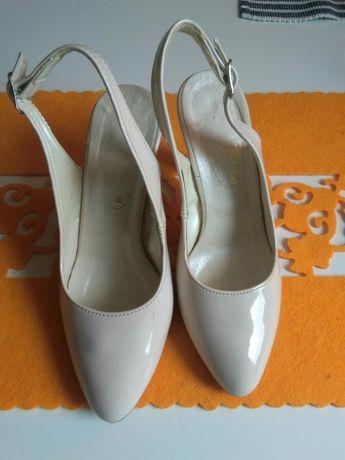 Eleganckie sandalki nr 35