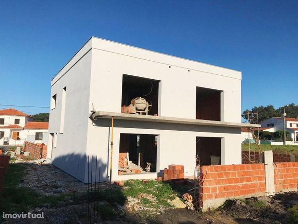Fantástica moradia isolada nova na localidade do Magoito