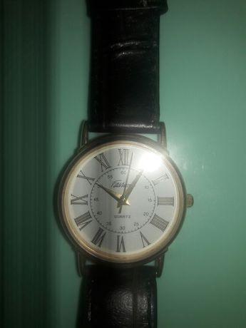 Кварцевые часы, идеальное состояние