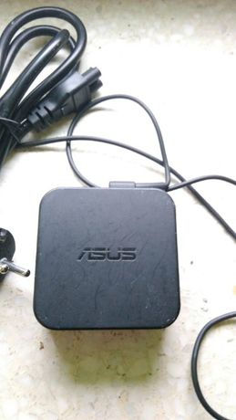 Orginalny zasilacz do laptopa Asus