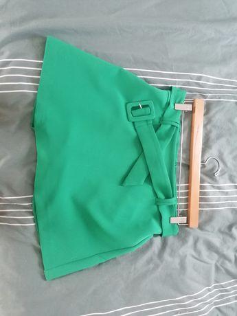 Saia Calção verde Stradivarius 42