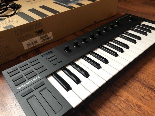 Teclado MIDI - Komplete Kontrol M32 - novo