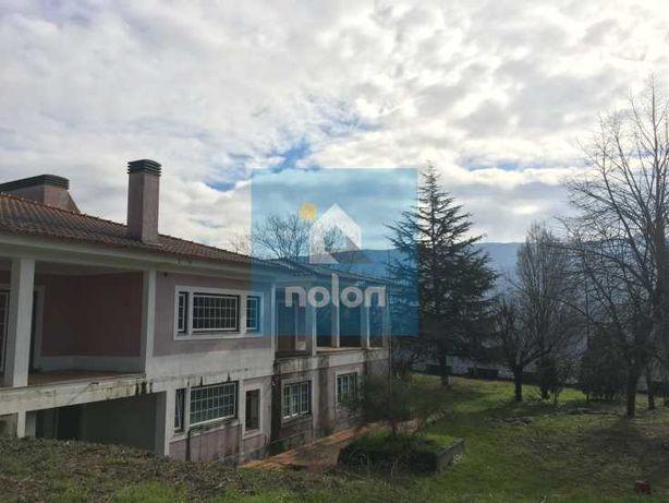 Moradia Isolada V4 com 795 m2 em Varzea da Ovelha, Marco de Canaveses