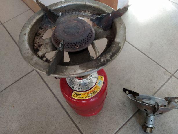 Mała butla gazowa i palnik