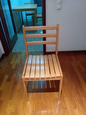1 cadeiras em madeira