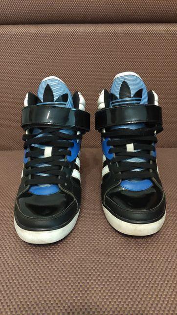 Кроссовки женские Adidas Amberlight Up W 40 размер