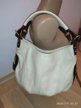 сумочка среднего размера
