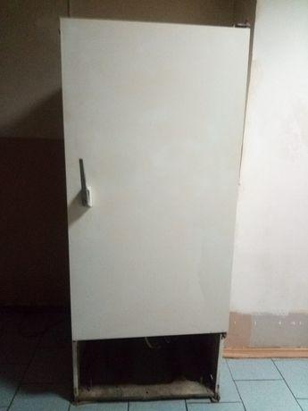 Холодильник и холодильная витрина 2 штуки