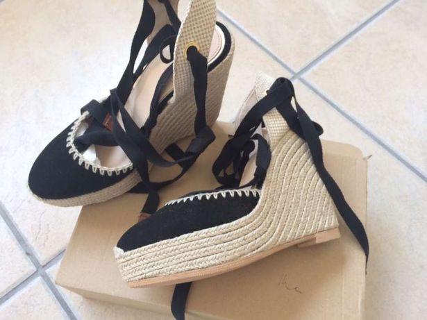 Sandálias cunha Zara