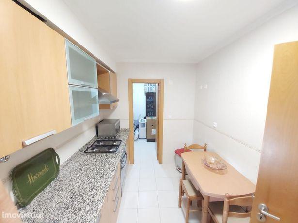 Apartamento T1 mobilado Quinta da Arieira Camarate