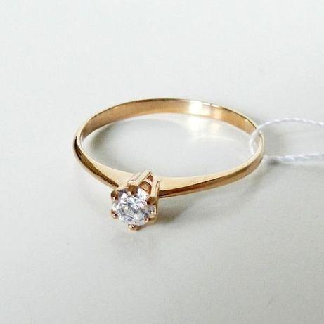 Золотое Кольцо для помолвки с фианитами 585 проба .