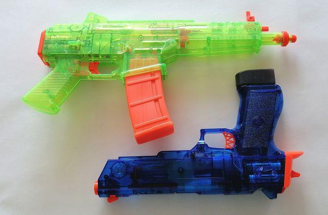 Pistolety - zabawki. Świetna rozrywka.