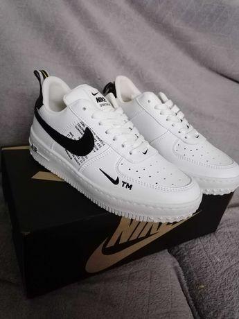 Sapatilhas Nike Air force branca e preta tam 37