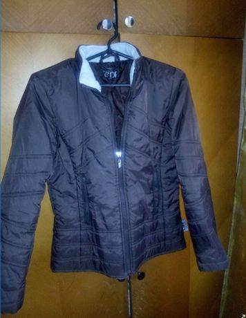 Куртка б/у для девочки 11-13 лет