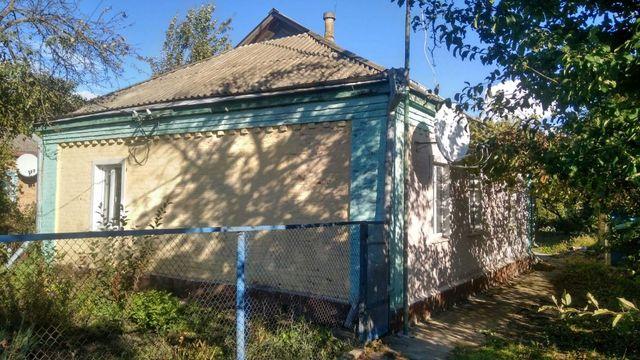 Цегляний будинок, металопластикові вікна, діючий санвузол у будинку.