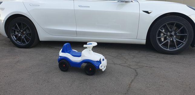 Машинка детская пластмассовая от 2-х лет