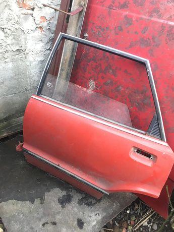Задние двери форд таунус(низкая крыша) цена за 1