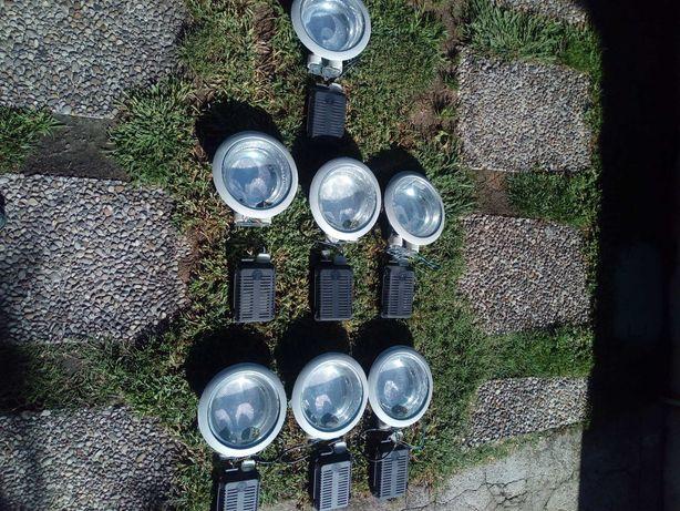 Vendo 7 focos de teto com respectivos balastos  18€ cada  100€ todos