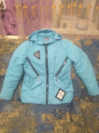 Продам куртку на девочку 10-12 лет