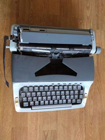 Продам  печатную машинку