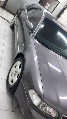 Продам Audi A8 1997