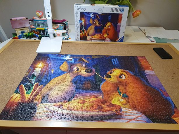 Puzzle 1000 Ravensburger Disney Zakochany Kundel
