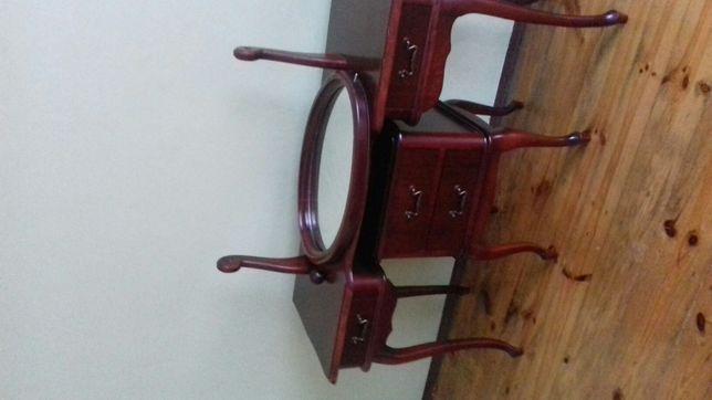 Toaletka komplet wraz z krzesłem