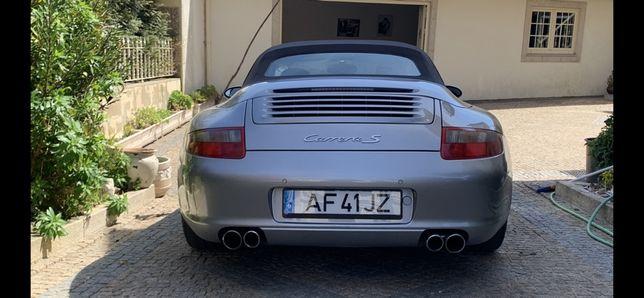 Porsche 911 com muitos extras