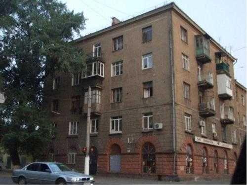 Просторная 3-комнатная квартира в доме Сталинского проекта