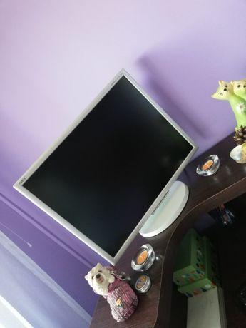 Komputer + Monitor + Klawiatura i Myszka