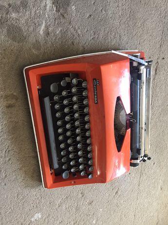 Maszyna do pisania connessa delux