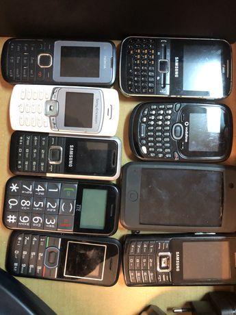 Telefones e telemoveis antigos
