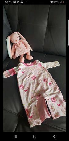 Piękny pajac piżamka w róże