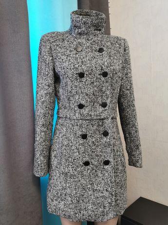 Пальто женское стильно Renuar