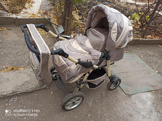 Продам детскую коляску трансформер Dalmatian.