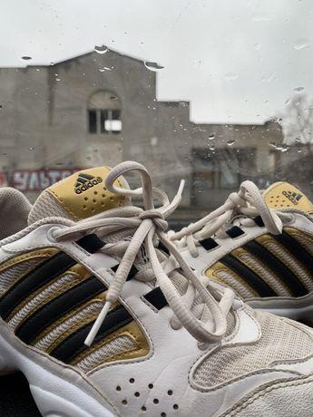 Футзалки , сороконожки adidas р(39)