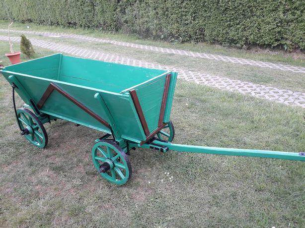 Wóz drewniany, zabytkowy, na ogród, na kwiaty
