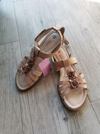 Wysyłka 1 zł! Dziewczęce sandałki Lasocki CCC, nowe r. 34. Skórzane