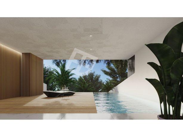 Moradia T4 com piscina Esgueira Centro