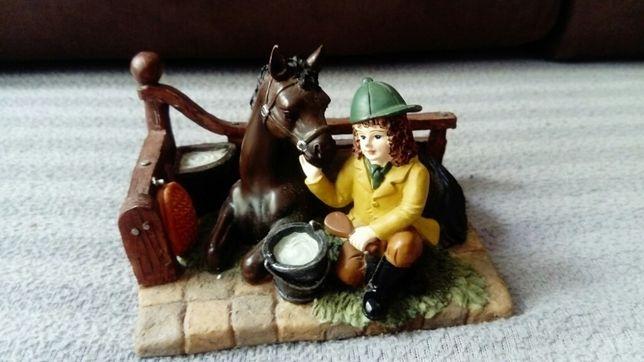 Figurka koń konik